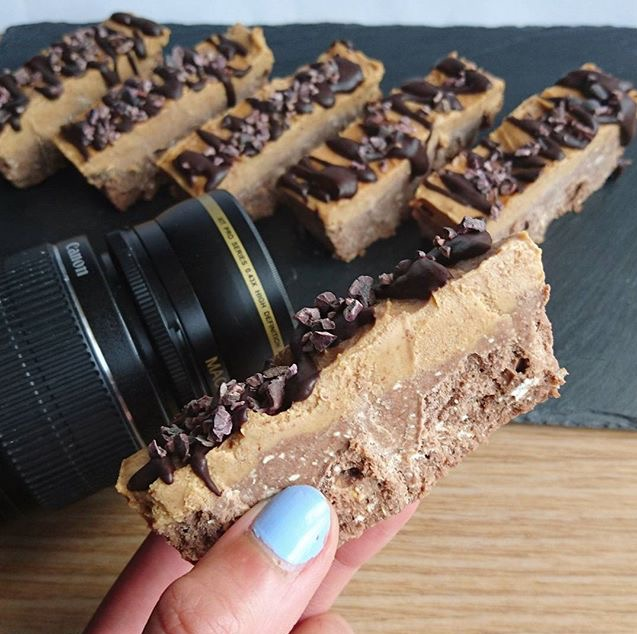 0-Chocolate-Peanut-Butter-Protein-Fudge-Oat-Bars
